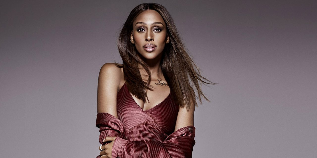 ALEXANDRA BURKE SIGNS TO DECCA RECORDS FOR NEW ALBUM