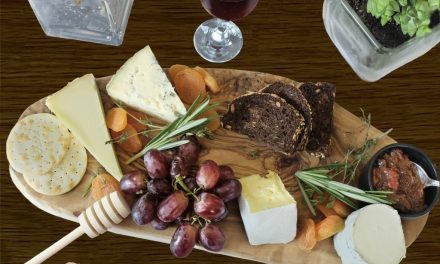 HOW TO CREATE AN INSTAGRAM WORTHY CHEESEBOARD