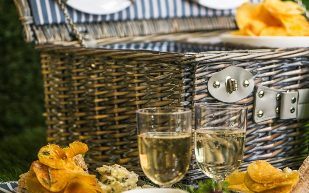 POSH PICNIC HAMPERS AT THE ARCH LONDON