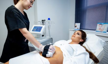 DANIELLE LLOYD'S NON-SURGICAL 4-POINT TUMMY TUCK TREATMENT