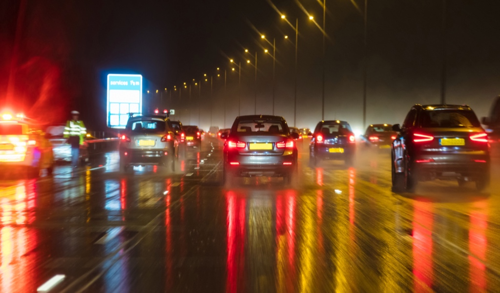 HALF OF UK MOTORISTS STRUGGLE TO SEE WHEN DRIVING IN THE DARK